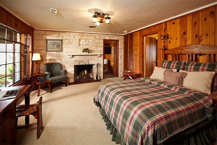 Cabin Plaid Bedroom